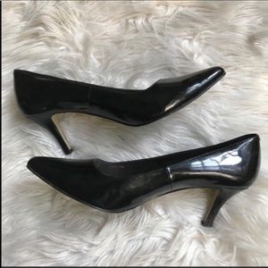 Cole Haan black patent leather pumps